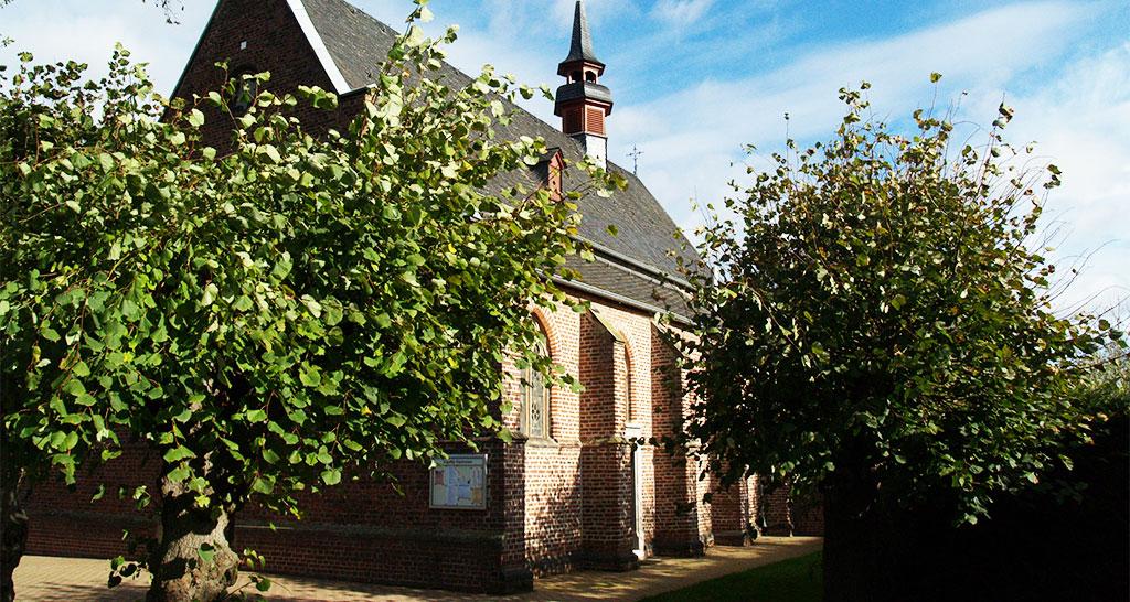 Heilig-Kreuz-Kapelle-in-Wegberg-Kipshoven_©K.Stieding_PB048835_Single_web